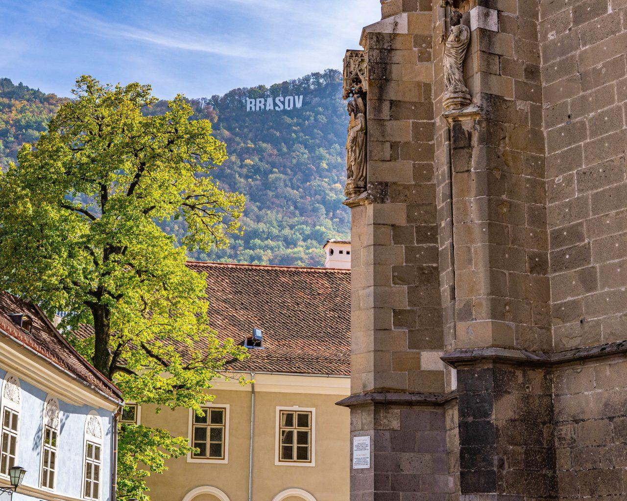 Brasov-kerk-en-sign
