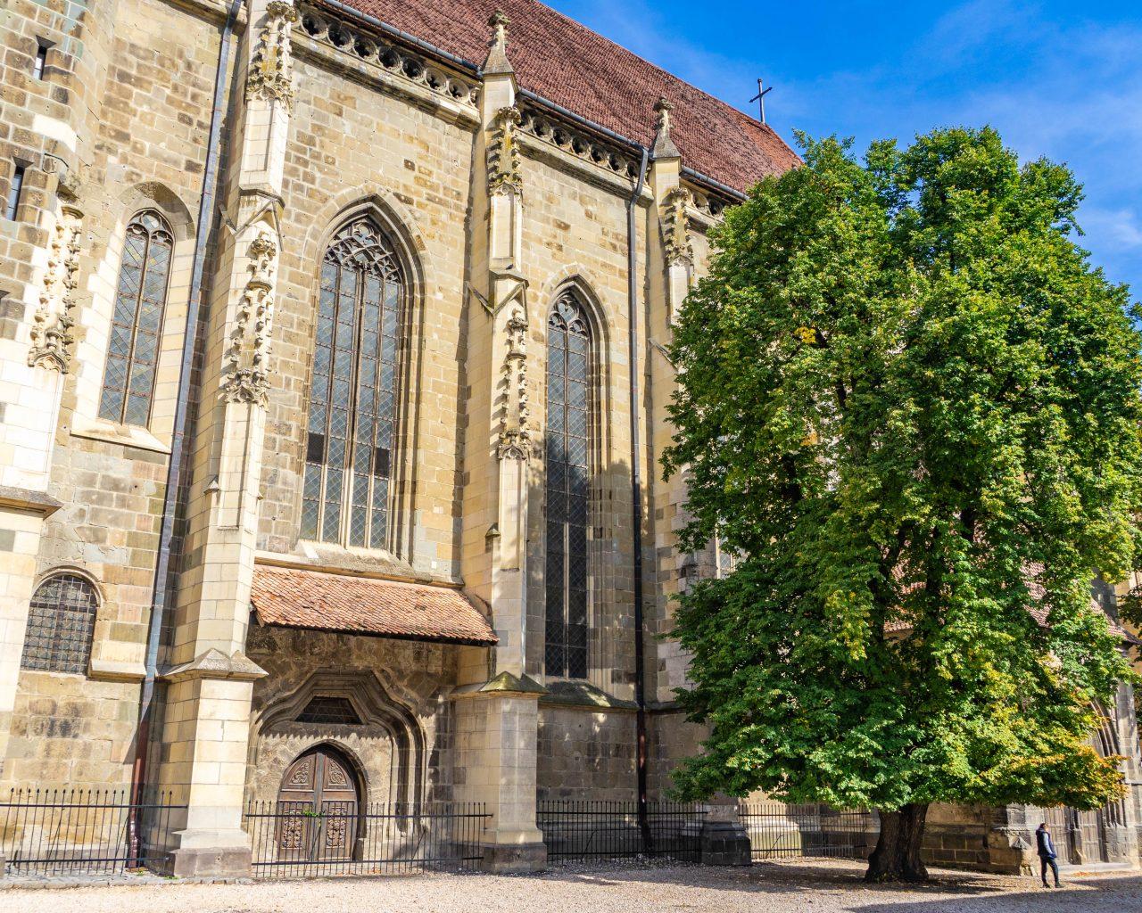 Zwarte-kerk-in-Brasov-zijkant