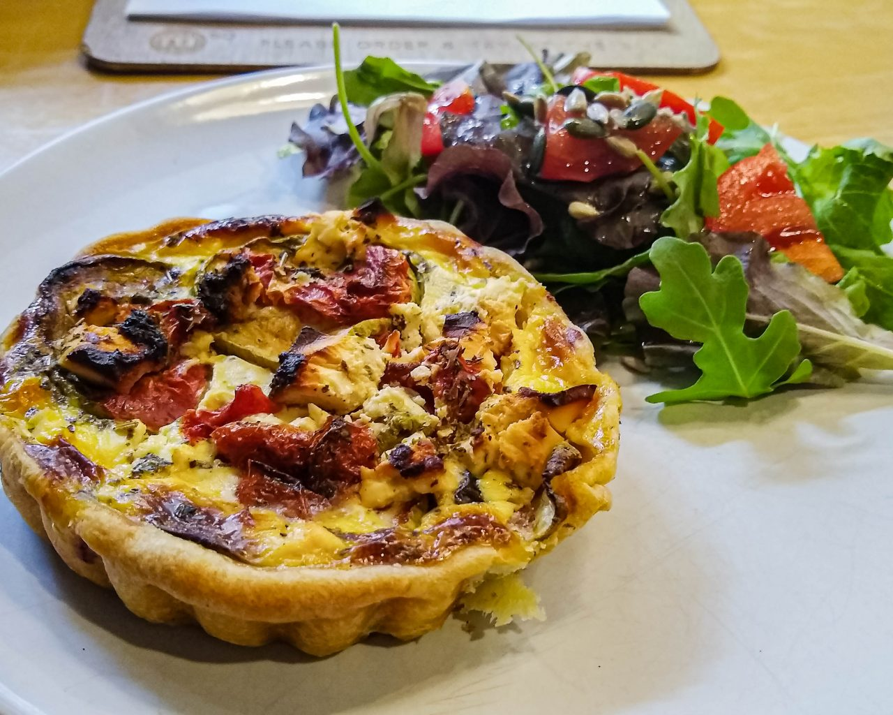 M60-lunch-quiche-in-koffiezaak