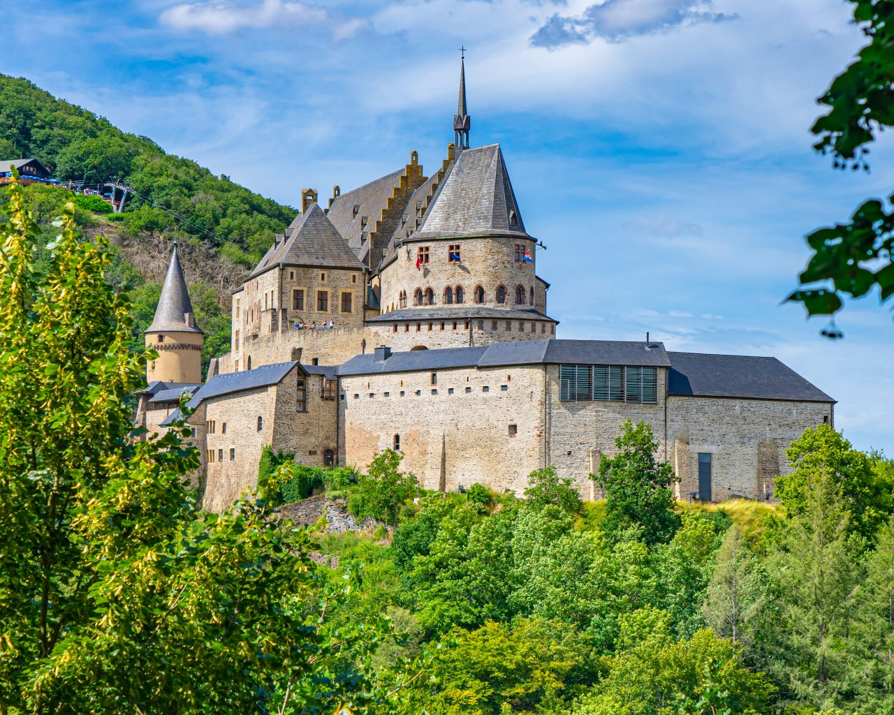 Vianden-Kasteel-in-Luxemburg