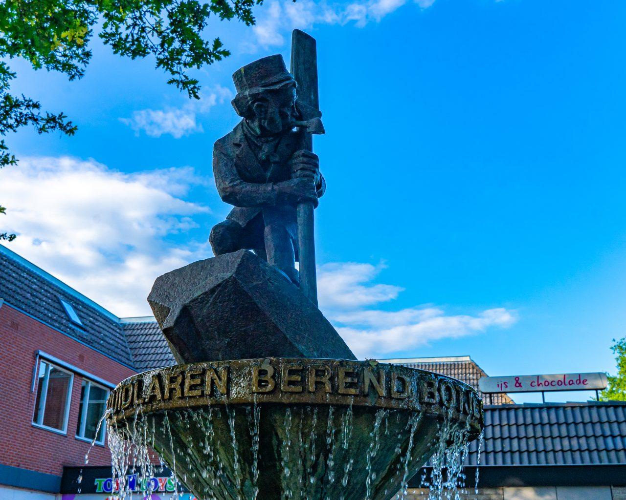 Standbeeld-van-Berend-Botje-Zuidlaren