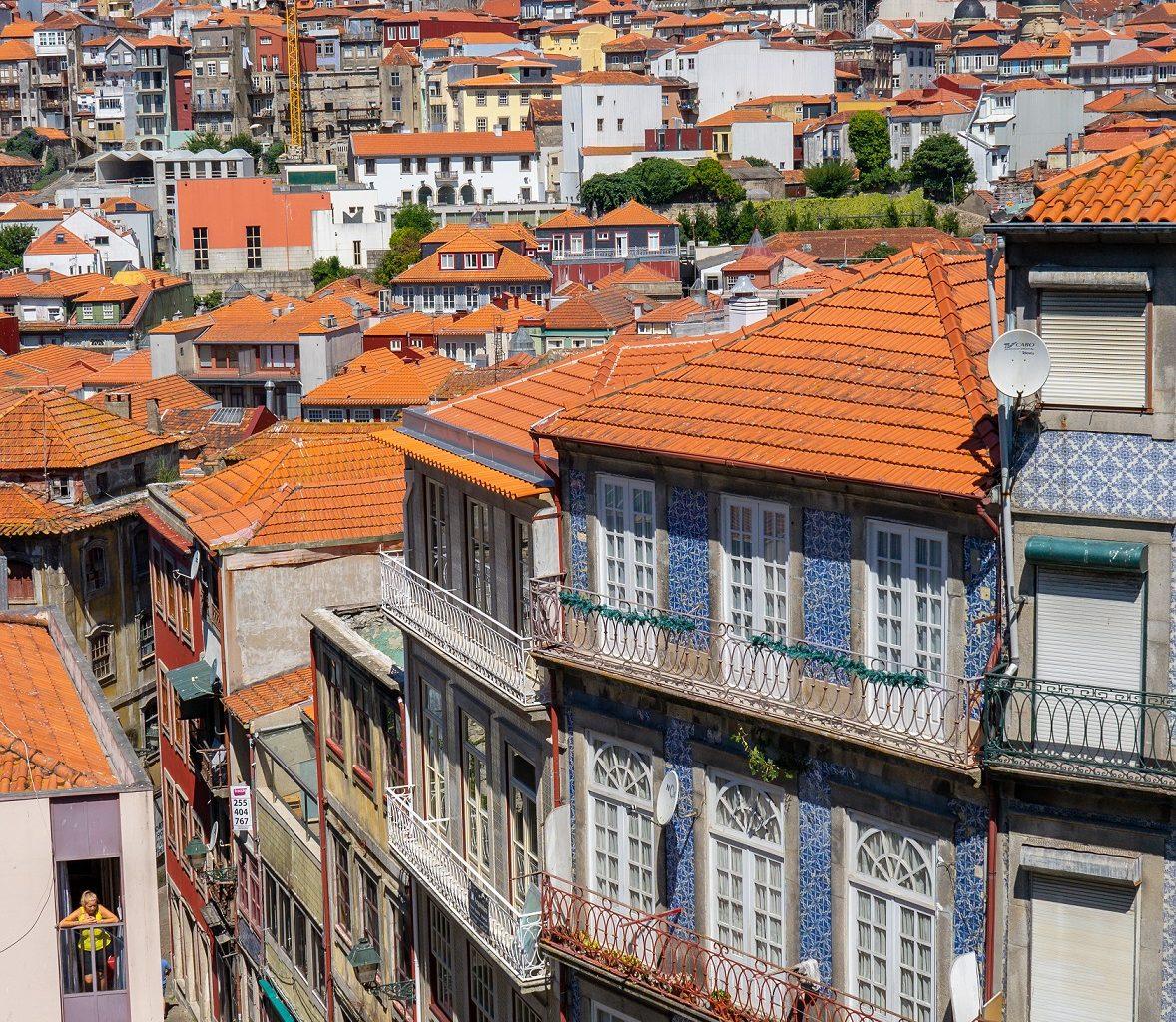 Ribeira-straatjes-oude-stadsdeel-Porto